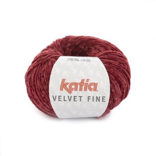 Velvet Fine, Roșu
